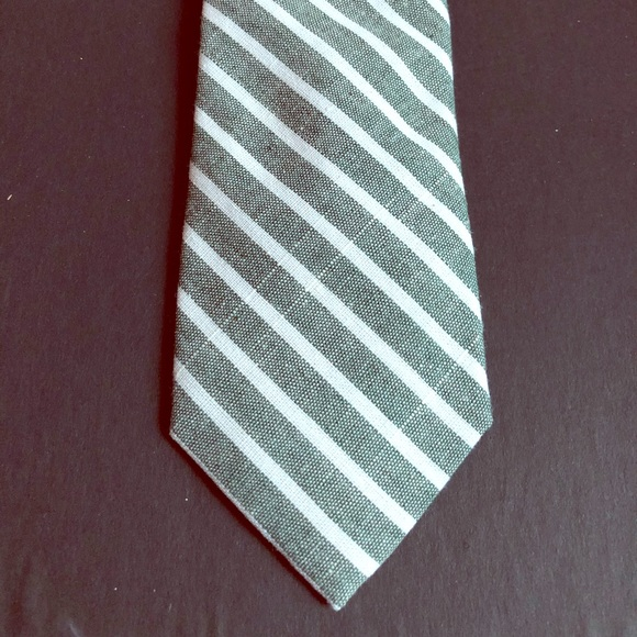 An Ivy Other - Ann Ivy Green and White Striped Tie